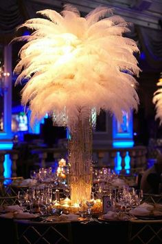 Gatsby themed centerpiece! i love the feathers. So much we can do with those