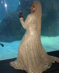 Muslim Prom Dress, Prom Dresses, Formal Dresses, Eid Ideas, Kaftan, Slay, Henna, Ball Gowns, Bee