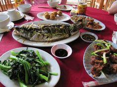 Herkkuja ja erikoisuuksia - vietnamilaista lähiruokaa - Vietnamilainen ateria Kiinan rajan tuntumassa