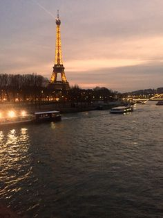 Tour Eiffel, Paris © by Nabil Taleb