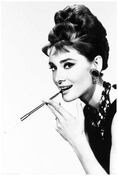 audrey hepburn Breakfast at Tiffany's | ... Audrey Hepburn (Breakfast at Tiffany's) 1961 (The Paramuont Image