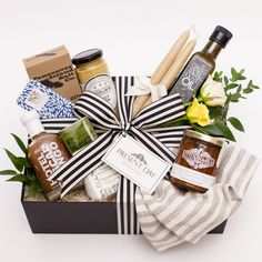 Gift Baskets and Gift Boxes - Toronto, local, artisinal & curated Organic Maple Syrup, Organic Oil, Wine Gift Baskets, Housewarming Gift Baskets, Basket Gift, Holiday Gifts, Christmas Gifts, Natural Spice, Spice Tins