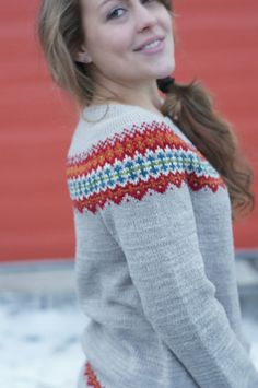 Ingrid Pullover - one of the amazing new patterns from the Swans Island collection. Knit Or Crochet, Lace Knitting, Knitting Socks, Knitting Patterns Free, Knit Cardigan Pattern, Icelandic Sweaters, Learn How To Knit, Pretty And Cute, Ravelry