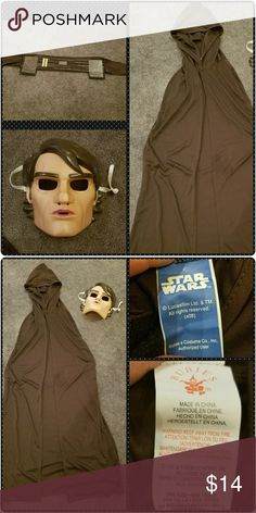STAR WARS Anakin Skywalker Boy's Costume Anakin Skywalker costume Includes brown hooded cloak, mask and belt.  One Size-fits most children ages 5 to 7 under 54 inches tall. Excellent conditon, smoke free home. Great for Halloween, dress-up/pretend play and more! Star Wars Licensed/Rubie's Costumes