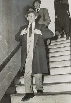 Lucky Luciano partner and mobster-account Meyer Lanksky leaving a NY court, February 12, 1958. Real Gangster, Mafia Gangster, Meyer Lansky, Big Ang, Mafia Crime, Steampunk, Al Capone, The Godfather, Gangsters