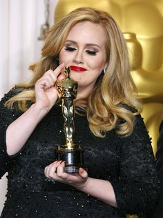 Adele, winner of the Best Original Song award for 'Skyfall,' at the Oscars 2013 seems to have become Hollywood's darling and the person all the celebrities want to be seen with. Adele Photos, Adele Instagram, Adele Style, Adele Dress, Art Is Dead, Oscars 2013, Skyfall
