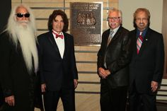 Country Music Hall of Fame Induction photo courtesy of the Country Music Hall of Fame Richard Sterban, The Oak Ridge Boys, Country Music Artists, Musicians, Folk, Bible, Quote, Memories, Stars