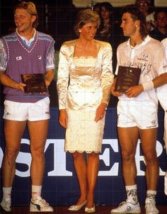 1988-06-13 Diana attends the Wishing Well Tennis Classic at the David Lloyd Racquet Club