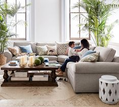 Updating your living room? Shop Pottery Barn for modern and classic living room ideas. Find living room furniture and decor and create the ultimate space. Coastal Living Rooms, Living Room Interior, Home Living Room, Living Room Furniture, Living Room Designs, Living Room Decor, Living Spaces, Dining Room, Wand Hinter Couch