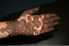 This is the image gallery of Dulhan Bridal Mehndi Designs For Hands 2014. You are currently viewing Dulhan Mehndi Designs For Hands (17). All other images from this gallery are given below. Give your comments in comments section about this. Also share stylehoster.com with your friends.  #bridalmehndi, #mehndidesigns, #hennadesigns