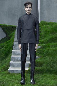 This pants! Balenciaga Fall 2015 Menswear - Collection - Gallery - Style.com
