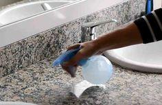 Hoy vamos a preparar un limpiador que podremos usar en el mármol o granito. ¡¡Vamos a recuperar su brillo!! Si lo que quieres es sacar alguna mancha, a este mismo limpiador agrega bicarbonato de sodio, hasta formar un pasta espesa, la aplicas con una esponja y frotas con la misma, lo que harás es