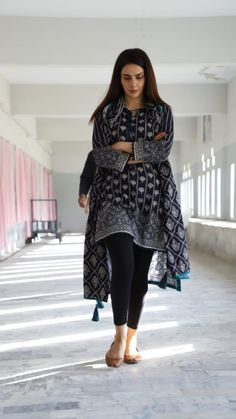 Best Trendy Outfits Part 29 Pakistani Fashion Casual, Pakistani Dresses Casual, Pakistani Dress Design, Dress Indian Style, Indian Outfits, Indian Dresses, Stylish Dresses, Casual Dresses, Casual Wear