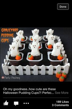 Here are some great ideas for your upcoming Halloween party or gathering! With decor, food and game ideas you'll have plenty of inspiration to put toward your Halloween festivities. The Halloween h… Halloween Desserts, Halloween Peeps, Halloween Mono, Recetas Halloween, Postres Halloween, Halloween Treats For Kids, Halloween Appetizers, Theme Halloween, Halloween Goodies