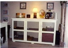 Møbel lavet om til kaninbur, en pæn base til kaninens toilet, seng og hø. #huskanin #kaninmøbel #DIYkaninbur
