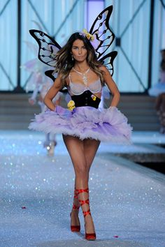 Lily Aldridge, VS Fashion Show 2011