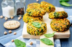 I love making healthy fritter recipes because they are SO versatile! You can use them as burger patties, serve them for brunch or dinner and they also make the perfect leftovers to reheat. This partic