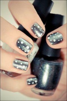 Polka-dot grey nails