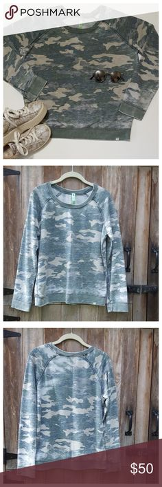 """Honeydew Intimates Burnout French Terry Sweatshirt Super soft lightweight burnout sweatshirt in camo print. Long raglan sleeves with ribbed cuffs/hem. Length from back of neck 22"""", width at bust 21"""", sleeve length from under arm 18"""". All measurements approximate. Cotton/poly, machine wash. EUC Honeydew Intimates Tops Sweatshirts & Hoodies"""
