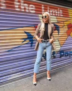 S T R E E T S T Y L E 💥 I loved this laid back look for last nights antics... and I've been living in these jeans lately too 😍🔥Screenshot or like this pic to get all the details straight to your inbox with @liketoknow.it ✨ #LTKeurope #liketkit http://liketk.it/2skAe #LTKshoecrush #LTKstyletip @liketoknow.it.europe #StreetStyle #Fblogger