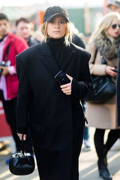 CAs Style | This All-Black Look Is Anything But Boring