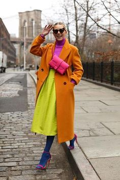 womens fashion How to Look Stylish with Colorful Outfits Ideas Quirky Fashion, 40s Fashion, Colorful Fashion, Look Fashion, Urban Fashion, Autumn Fashion, Fashion Outfits, Womens Fashion, Fashion Trends