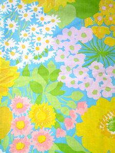 Vintage 60s Mod Floral Full Flat Fabric Sheet by fivedimeshop