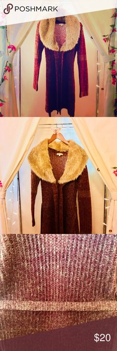 Small sweater with removable faux fur collar Adorable light sweater. Great for the changing weather, shopping at target or lounging around the house like a diva. Fits small/ medium. Sweaters Shrugs & Ponchos