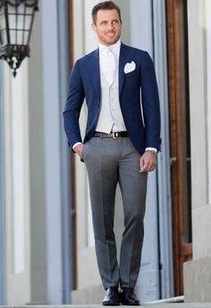 Discover the New Collection. Tailored suits and jackets, the true Made in Italy by Sartoria Rossi – Tailor Made - Care for details Gents Fashion, Mens Fashion Suits, Mens Suits, Wedding Dress Suit, Wedding Suits, Wedding Gowns, Best Suits For Men, Cool Suits, Men's Tuxedo Styles