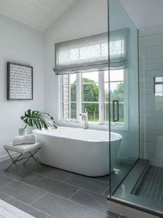 Modern farmhouse bathroom remodel ideas (21)