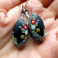 I love these shape of earrings. Every tiny detail I handmade from polymer clay with a needle... . . . . . . . . #christmas #present #gift #birds #handmade #flower #japan #japanese #japanesestyle #japaneseart #art #florals #floraldesign #supporthandmade #handmadeisbetter #handsandhustle #handmadewithlove #handmadejewelry #handcrafted #handcraftedjewelry #etsy #etsyshop #craftsposure #artlover #mycreativebiz