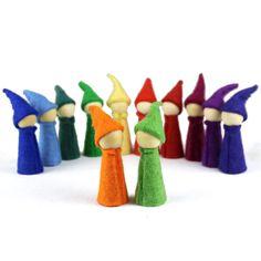 Farbenkreis Materialien - Höller Spiel Gnome, Bunt, Decor, Seasons Kindergarten, Felt Tree, Kids Hands, Wooden Figurines, Children Toys, Rain Bow