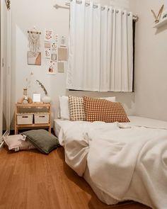Small Room Design Bedroom, Room Ideas Bedroom, Home Room Design, Bedroom Decor, Minimalist Room, Aesthetic Room Decor, My New Room, Room Interior, Room Inspiration