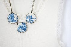 Blue Floral Necklace French toile Necklace Fiber by chezviolette, €17.00