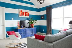 Add some pizazz to your room with these tips from DIYer @MakelyHome. Like this blue? Try our Peacock Blue.