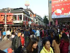 Crowd at Dong Men Pedestrian Street, Shenzhen. Christmas 2013. crowd-at-dong-men-christmas-2013-001
