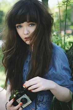 Beautifully thick hair with a full bodied fringe We like! pic.twitter.com/ngZkx5LHaJ