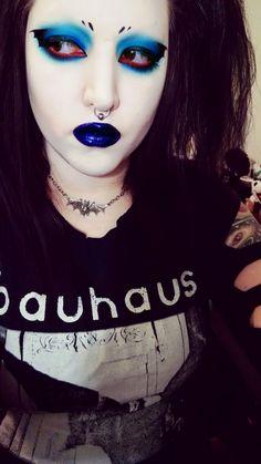 Goth Eye Makeup, Punk Makeup, Gothic Makeup, Sexy Makeup, Blue Makeup, Kiss Makeup, Makeup Inspo, Makeup Inspiration, Beauty Makeup