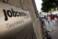 German Unemployment Rises Fourth Month in Uneven Recovery.(November 28th 2013)