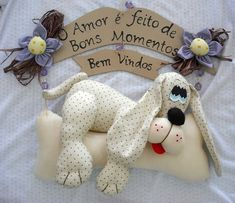 Risultati immagini per atelier do bebe mg Christmas Dog, Christmas Ornaments, Dog Quilts, Felt Mobile, Fabric Pictures, Doll Painting, Welcome Wreath, Cozy Blankets, New Years Eve Party