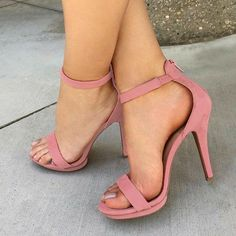 high heels – High Heels Daily Heels, stilettos and women's Shoes Sock Shoes, Shoe Boots, Shoes Heels, Pink Heels, Pumps, Stilettos, Pretty Shoes, Beautiful Shoes, Crazy Shoes