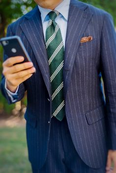 The Gentleman's Guide: Pattern Mixing - Dress World for Men Suit Fashion, Mens Fashion, Men's Business Outfits, Classy Suits, Nice Suits, Pinstripe Suit, Gingham Shirt, Gentleman Style, Pattern Mixing