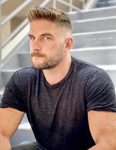 buzzcut barbershop long hair and lack of hair. willingly or forcefully and everything else that interests me Cool Hairstyles For Men, Cool Haircuts, Haircuts For Men, Flat Top Haircut, Fade Haircut, Beautiful Men Faces, Gorgeous Men, Scruffy Men, Ginger Men