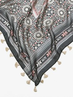 ÉCHARPE SEDA QUADROS FLORES Boho Shorts, Print Patterns, Spring Summer, Scarves, Women, Surface, Accessories, Fashion, Frames