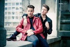Valentin Dickler (@vaaalouh) • Photos et vidéos Instagram Red Leather, Leather Jacket, Men's Fashion, Bomber Jacket, Photos, Jackets, Instagram, Photography, Studded Leather Jacket