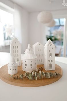 Clay Houses, Ceramic Houses, Clay Christmas Decorations, Christmas Crafts, Christmas Mood, Simple Christmas, Pottery Houses, Christmas Interiors, Christmas Photography