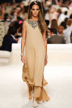 Chanel Resort 2015 Fashion Show - Joan Smalls Chanel Resort, Chanel Cruise, Runway Fashion, High Fashion, Fashion Show, Womens Fashion, Fashion Design, Resort 2015, Coco Chanel