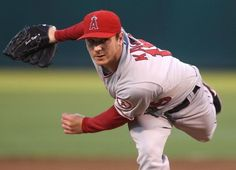 Scott Kazmir works out for the Sugar Land Skeeters and may soon join the team