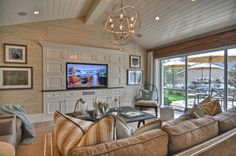 RoomReveal - Dolphin Terrace - Family Room by Kevin Smith