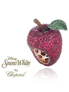 Tras la noche de Reyes que se vuelve tan especial cuando tenemos pequeños en nuestras familias, quiero compartir con vosotros una nueva colección de joyas que me recuerda nuestra infancia: La firma Chopard presenta una nueva colección de Alta Joyería inspirada en el mágico mundo de las princesas Dis